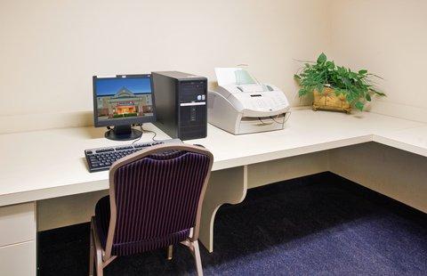 Candlewood Suites EMPORIA - Business Center