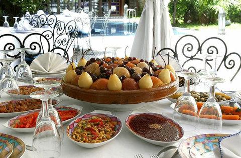 فندق رياض شهرزاد  - Food