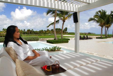 Tortuga Bay Hotel - Spa - porch