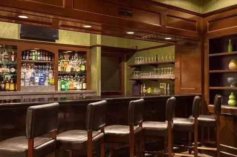 Hilton Fort Wayne at the Grand Wayne Convention Center - Cut z Lounge Bar