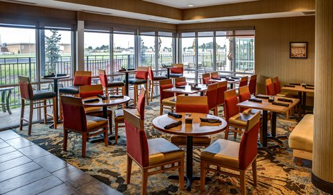 Cambria Suites & Conference Center - West Fargo - Dining area