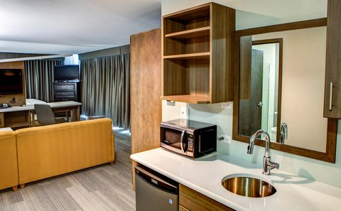 Cambria Suites & Conference Center - West Fargo - Guest room