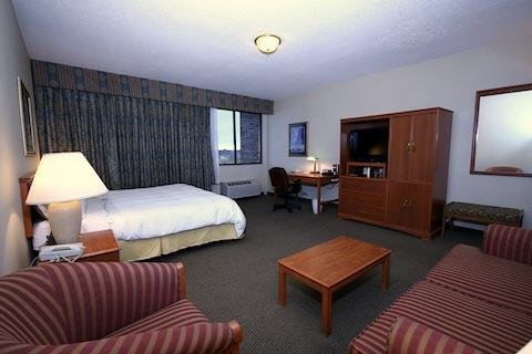 Radisson Riverfront Hotel - Single Full Sized Accessible Rm