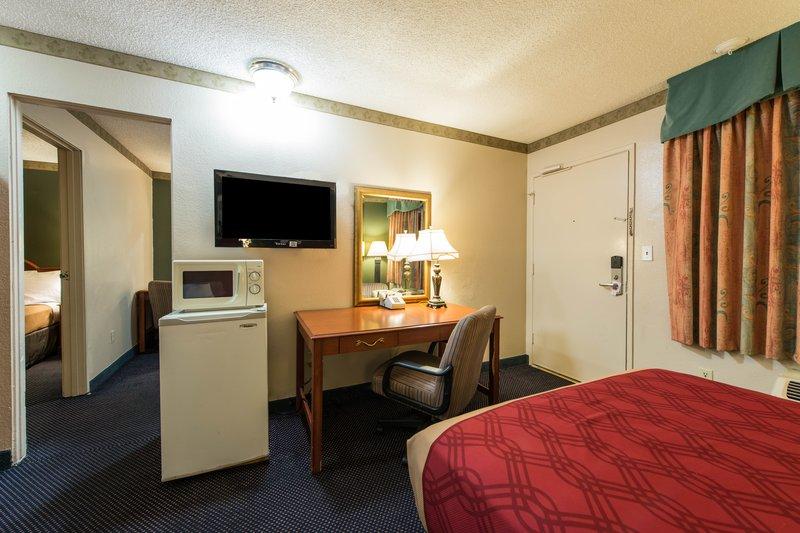 Econo Lodge - Anaheim, CA