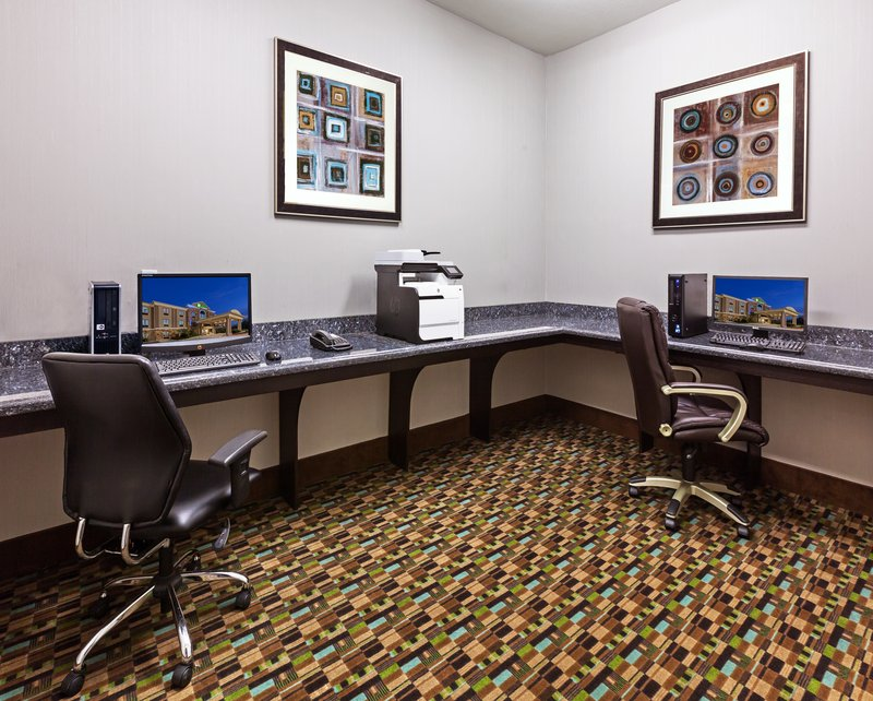 Holiday Inn Express & Suites CLEVELAND - Cleveland, TX