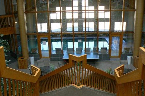 C'mon Inn Hotel & Suites - Lobby view