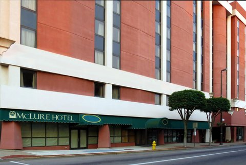 McLure City Center Hotel - Exterior view