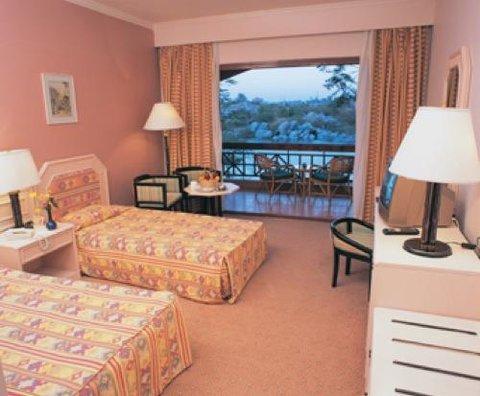 Pyramisa Isis Island Aswan Resort - Guest room