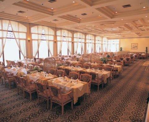 Pyramisa Isis Island Aswan Resort - Restaurant