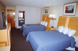 Room - Ambassador Inn & Suites South Yarmouth