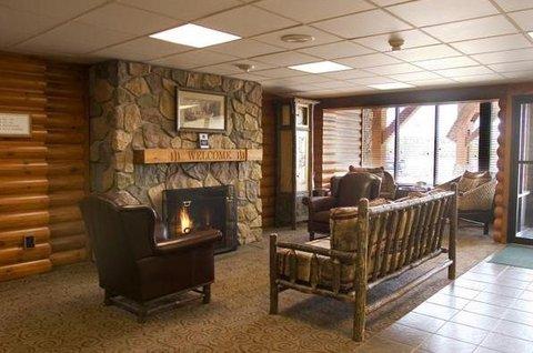 Ashland Lake Superior Lodge - Lobby view
