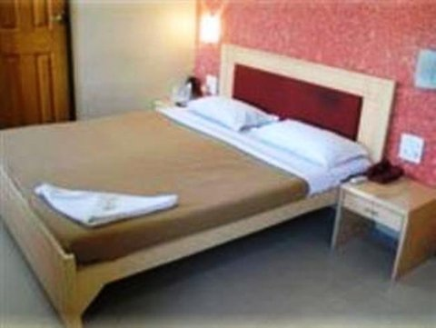 Avon Ruby Hotel - Guest room