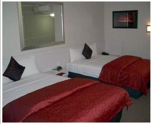 Isa Hotel - Guest room