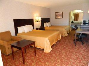 Room - Deluxe Inn & Suites York