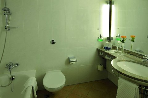 Maritim Grand Hotel Hannover - Bathroom