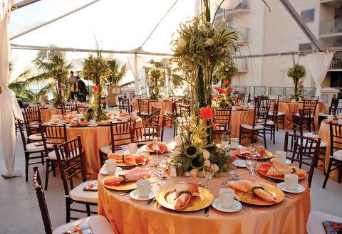 Outrigger Reef on the Beach - Outrigger Reef Waikiki Beach Resort - banquet wedding 2