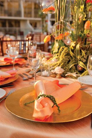 Outrigger Reef on the Beach - Outrigger Reef Waikiki Beach Resort - banquet wedding 3