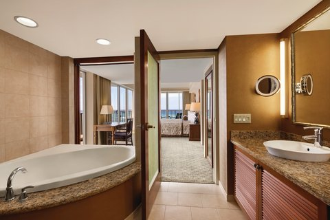 Outrigger Reef on the Beach - Outrigger Reef Waikiki Beach Resort - interior - oceanfront 1 bedroom