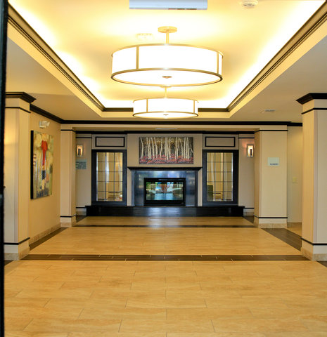 Holiday Inn Express & Suites FLORESVILLE - Entrance