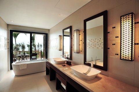 Salinda Premium Resort and Spa - Sea Villa Bathroom