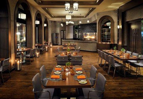 فندق ماريوت عمان - IL Terrazzo Restaurant   Dining Area