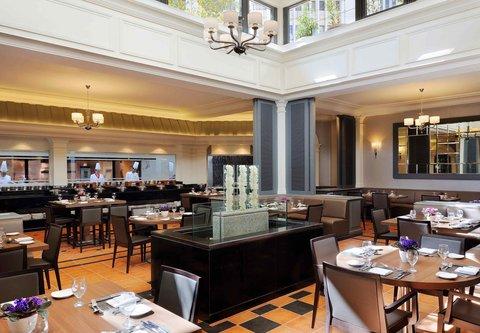 فندق ماريوت عمان - Villa Mediterrano   Dining Area