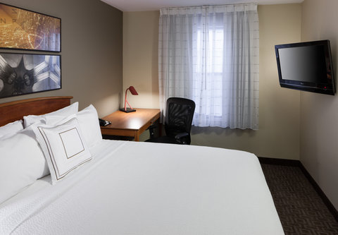 TownePlace Suites Austin Northwest - Two-Bedroom Suite - Sleeping Area