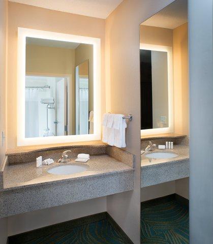 SpringHill Suites Annapolis - Suite Bathroom Vanity