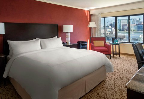 Marriott Long Wharf Hotel - King Pure Guest Room