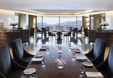 JW Marriott Mussoorie Walnut Grove Resort & Spa - JW Cafe