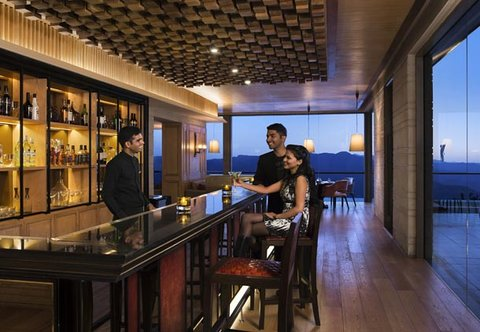 JW Marriott Mussoorie Walnut Grove Resort & Spa - Trout House Grill   Bar