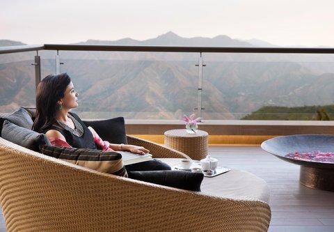 JW Marriott Mussoorie Walnut Grove Resort & Spa - Perch