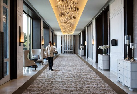 JW Marriott Mussoorie Walnut Grove Resort & Spa - Pre-Function Area