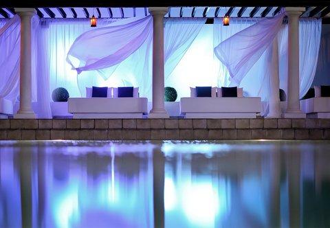 فندق ماريوت جي دبليو دبي - Pool Cabanas