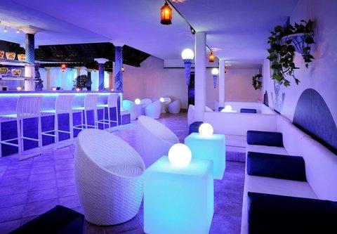 فندق ماريوت جي دبليو دبي - Awafi Rooftop Pool Lounge