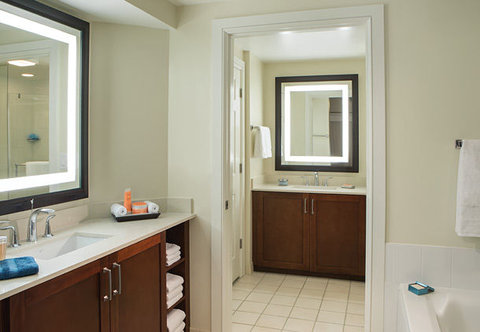 Marriott's BeachPlace Towers - Villa Master Bathroom
