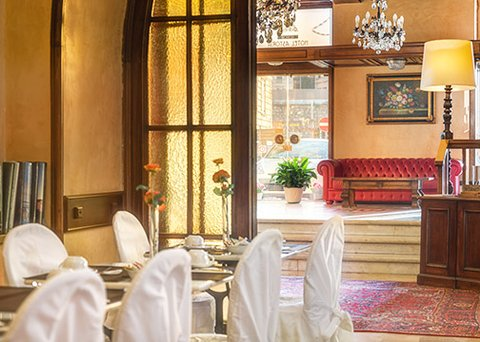 Clarion Collection Hotel Astoria Genova - ITBreakfast Hall And Lobby