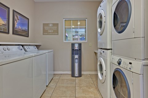 Candlewood Suites CLARKSVILLE - Laundry Facility