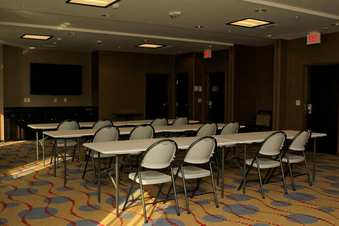Holiday Inn Express & Suites FLORESVILLE - Meeting Room