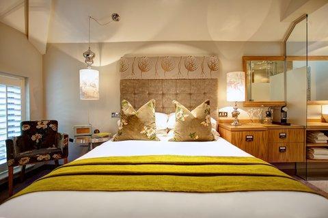 Oddfellows Chester Hotel - Caldecott Classic Bedroom