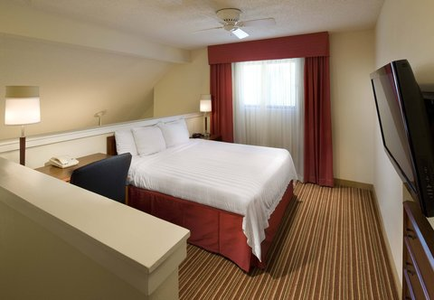 Residence Inn by Marriott Jacksonville Baymeadows - Two-Bedroom Suite - Upstairs Bedroom