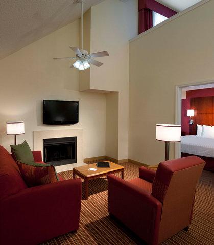 Residence Inn by Marriott Jacksonville Baymeadows - Two-Bedroom Suite - Living Area