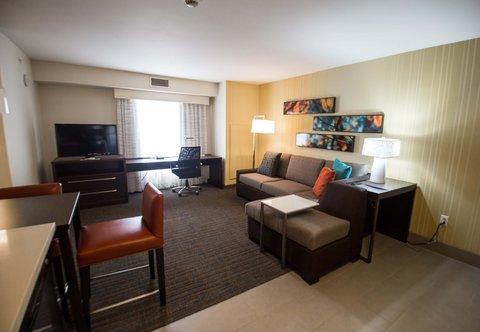 Residence Inn Omaha West - One-Bedroom Suite - Living Room