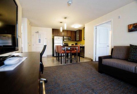Residence Inn Omaha West - Two-Bedroom Suite