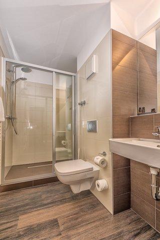 Hotel Breitbach - Bathroom