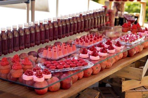 فندق ماريوت القاهرة و كازينو عمر الخيام - Dessert With Pomegranate Horizontal