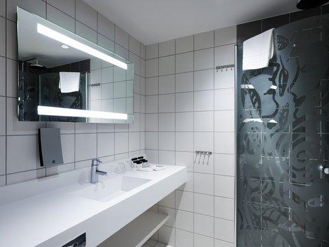 Gothia Towers - Sky Room Bathroom at Gothia Towers