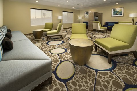 Wingate by Wyndham El Paso Airport - Plenty of seating areas to relax and enjoy a fresh beverage