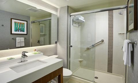 Hyatt Place Bloomington Indiana - Guest Bathroom