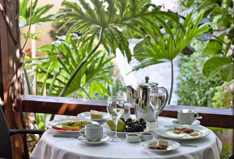 Akali Hotel Iraklion Crete - Akali Hotel Breakfast in veranda area